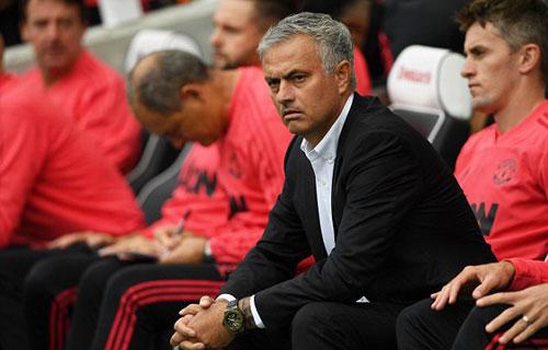 Mourinho chịu sức ép từ mọi phía ở Man Utd. Ảnh:AFP.