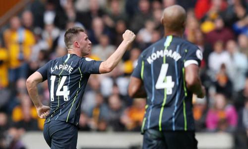 Man City phải chia điểm cho đội mới lên hạng