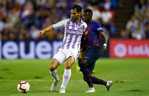 Valladolid khiến Barca gặp nhiều khó khăn hơn hình dung ban đầu.