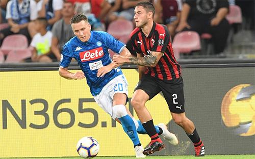 Zielinski (trái) là nguồn cảm hứng quan trọng nhất giúp Napoli lội ngược dòng, đánh bại Milan. Ảnh: SSC Napoli.