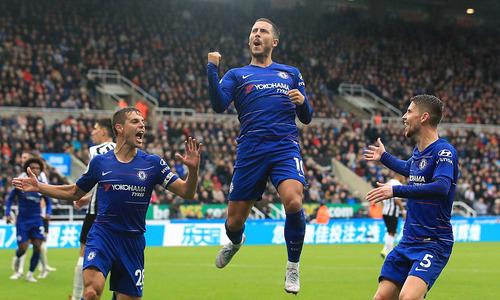 Chelsea thắng sít sao nhờ bàn phản lưới của đối thủ