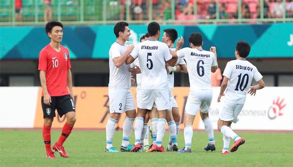 Uzbekistan tiếp tục chứng tỏ họ là một đội bóng mạnh. Tuy nhiên, nhà vô địch U23 châu Á đã thiếu may mắn so với đối thủ. Ảnh: Đức Đồng.