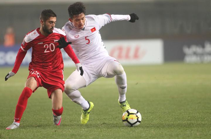 Việt Nam chơi phòng ngự chặt chẽ trong trận hòa Syria 0-0 hồi tháng Một, giành quyền vượt qua vòng đấu bảng giải U23 châu Á.