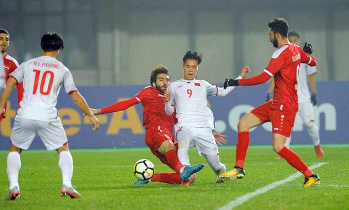 Văn Toàn (số 9) và các đồng đội đã phải rất vất vả mới có được trận hòa 0-0 với Syria ở vòng bảng giải U23 châu Á hồi đầu năm.