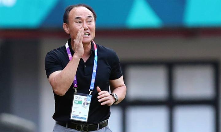 HLV Kim Hak-bum mới được giao nhiệm vụ dẫn dắt đội U23 và Olympic Hàn Quốc trong năm 2018. Ảnh: Đức Đồng.