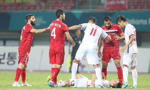 Cầu thủ Việt Nam đổ máu bảo vệ chiến thắng trước Syria
