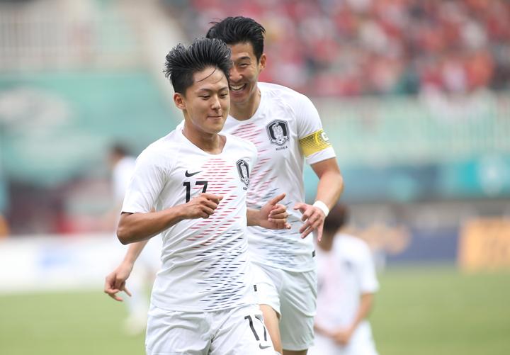 Lee Seung-woo, cầu thủ được ví như Messi của Hàn Quốc lập cú đúp vào lưới Việt Nam trong trận đấu chiều 29/8. Ảnh: Lâm Thoả