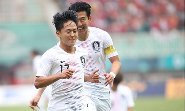 Những ngôi sao đang thi đấu ở châu Âu là Lee Seung-woo và Song Heung-min giúp Hàn Quốc chơi lấn lướt Việt Nam. Ảnh:Đức Đồng.