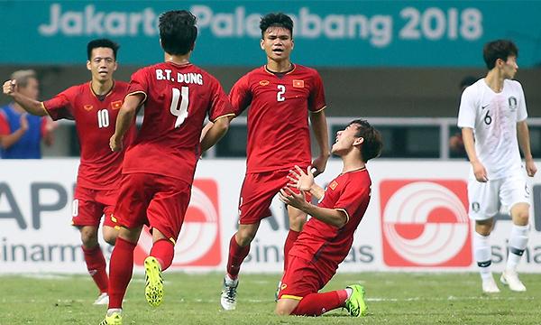 Bàn thắng của Minh Vương là lời đáp trả của Việt Nam trước đội bóng hàng đầu châu lục. Ảnh:Đức Đồng.