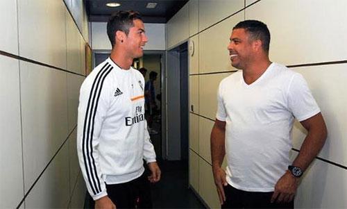 Hai Ronaldo đều là huyền thoại của Real. Ảnh: AS