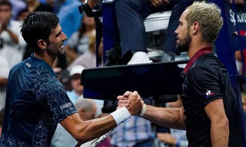 Djokovic lần đầu tiên thắng ba set tại Mỹ mở rộng năm nay. Ảnh: Sky Sports.