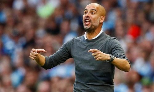 Guardiola muốn loại bỏ suy nghĩ tự mãn khỏi các cầu thủ. Ảnh: Reuters.