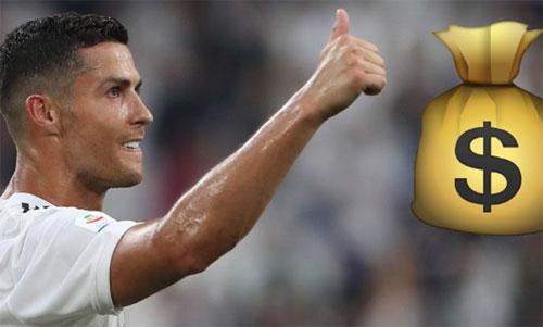 Danh thủ 33 tuổi đang là ông vua về lương bổng tại giải bóng đá Italy.