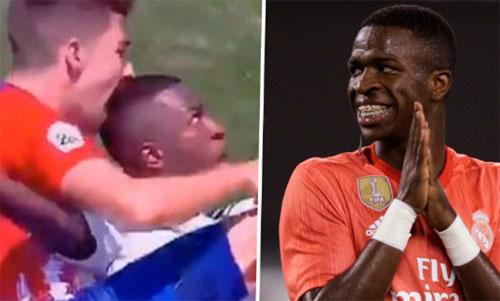 Vachi ngoạm vào đầu Vinicius trong trận derby.