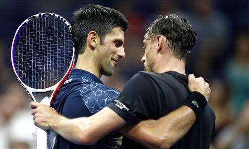 Đúng như Djokovic nhận định trước trận, Millman giờ khác rất nhiều so với thời điểm thua Nole 2-6, 1-6 tại Queens Club năm nay. Ảnh: Sky Sports.