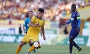Tuyển thủ Olympic Việt Nam chấn thương khi về đá cho CLB