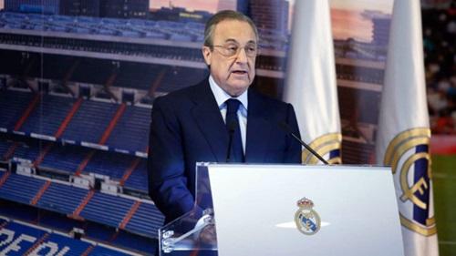 Chủ tịch Florentino Perez chứng tỏ tài quản lý khi vừa giúp Real thi đấu thành công, vừa giúp CLB kiếm bộn tiền. Ảnh: Reuters.