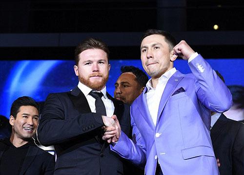 Canelo (trái) và Golovkin trong buổi họp báo công bố trận tái đấu được mong chờ nhất làng quyền Anh hạng trung. Ảnh: Reuters.