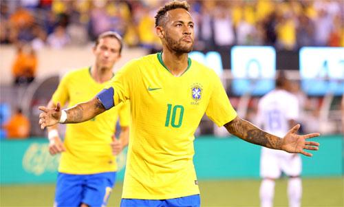 Neymar có tiềm năng vượt qua thành tích ghi bàn của cả Ronaldo lẫn Pele. Ảnh: Reuters