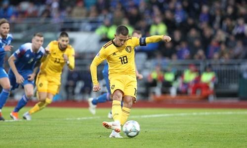 Hazard mở tỷ số cho Bỉ trên chấm phạt đền. Ảnh: PA.