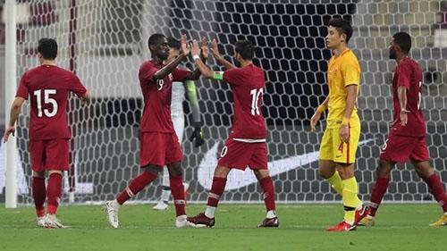 Trung Quốc không giành quyền dự World Cup 2018. Tại vòng chung kết U23 châu Á 2018 và Asiad 2018, các đội U23 nước này cũng đều bị loại sớm. Ảnh: AP.