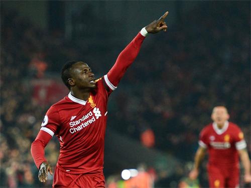 Mane đến từ một ngôi làng hẻo lánh tại Senegal và trở thành ngôi sao Ngoại hạng Anh. Ảnh: Reuters
