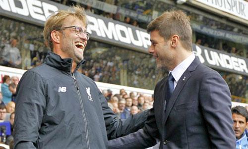 Klopp và Pochettino là hai HLV hàng đầu của Ngoại hạng Anh hiện nay. Ảnh: Reuters