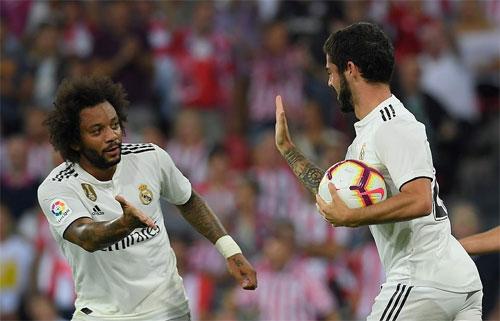 Cầu thủ dự bị Isco giải cứu Real bằng cú đánh đầu gỡ hòa.