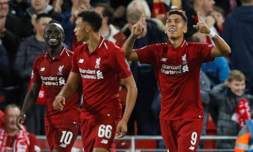 Firmino (phải) vào sân và ngay lập tức thể hiện vai trò ở Liverpool, trong ngày Salah chơi dưới sức. Ảnh: Reuters.