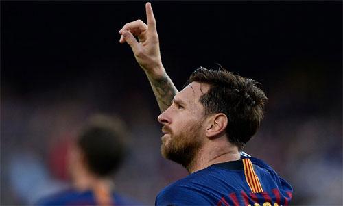 Messi gia tăng thành tích ghi bàn lên một khoảng lớn ngay trong trận mở màn Champions League.