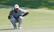 Woods ghi năm birdie, giữ đỉnh bảng Tour Championship