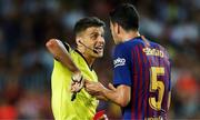 Cầu thủ và HLV Barca đồng loạt chỉ trích VAR