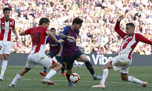 Bilbao suýt giành chiến thắng ngay trên sân Nou Camp.