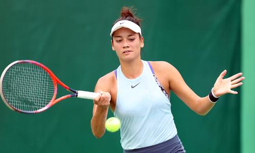 Nhan sắc của tay vợt Việt kiều Alize Lim