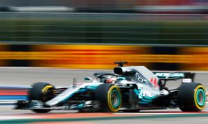 Hamilton được Bottas nhường vị trí dẫn đầu, thắng dễ tại GP Nga