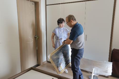 Ông Park Hang-seo cho biết, nội thất của căn hộ đã được chuyển đến và bố trí sắp xếp theo ý của bà Choe Sang Ah. Ông chia sẻ: Tôi chẳng muốn thay đổi điều gì trong căn hộ này. Nhưng nếu vợ tôi thích thì tôi vẫn sẽ đồng ý với bà ấy.