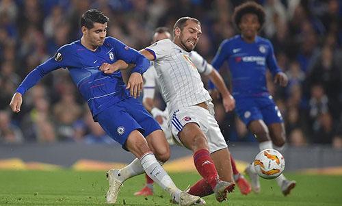 Morata lập công giúp Chelsea có trận thắng thứ hai liên tiếp ở Europa League. Ảnh: EPA.