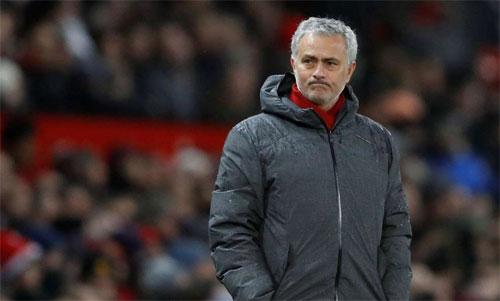Đại chiến Chelsea vs Man Utd: Mourinho đau đầu vì lực lượng