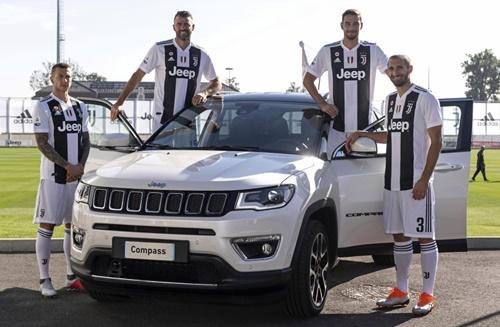 Ronaldo vắng mặt trong buổi chụp hình ra mắt mẫu xê mới của Jeep. Ảnh: Reuters.
