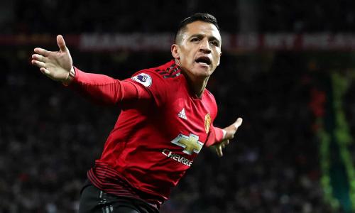 Alexis Sanchez ghi bàn đầu tiên tại Ngoại hạng Anh mùa này để mang về chiến thắng quan trọng cho Man Utd. Ảnh:PA.