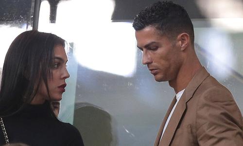 Ronaldo và màn mặc cả mua sự im lặng của Kathryn