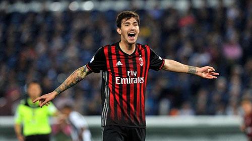 Romagnoli là trụ cột của AC Milan nhiều năm qua. Ảnh: Reuters.