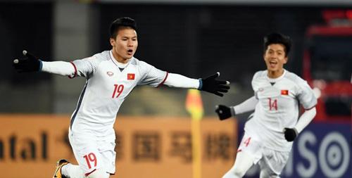 Quang Hải là một trong tám cầu thủ của Hà Nội được gọi lên đội tuyển.