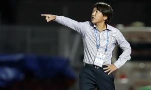 HLV Toshiya Miura chia tay TP HCM