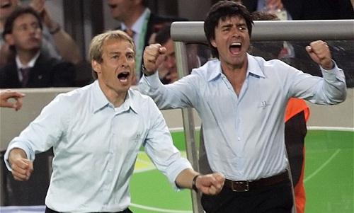 Klinsmann và Low khi còn là cộng sự ở đội tuyển Đức. Ảnh: Reuters.