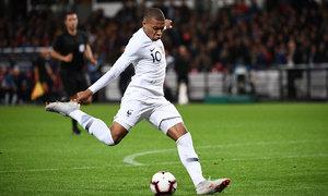 Mbappe lập thêm cột mốc lịch sử ở tuyển Pháp