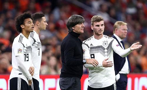 Uy tín của Joachim Low liên tục giảm sút, kể từ World Cup 2018. Ảnh: Reuters.