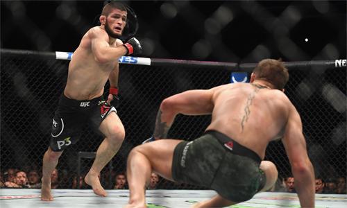 Khabib muốn đấu với Mayweather sau khi hạ McGregor. Ảnh: Reuters.