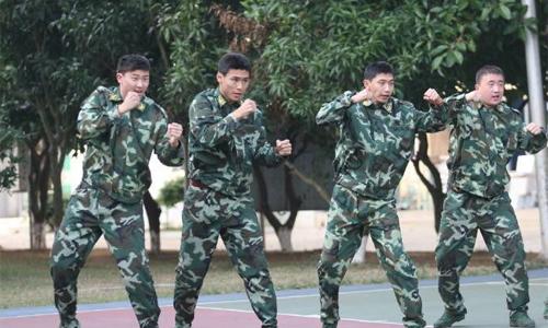 55 cầu thủ U25 được chọn từ các CLB phải tham dự một khóa đào tạo quân sự ngắn hạn. Ảnh: Twitter.