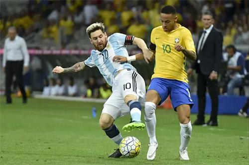 Messi và Neymar từng có không ít lần đối đầu ở vòng loại World Cup khu vực Nam Mỹ. Ảnh: Reuters